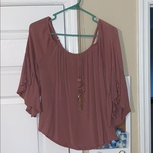 Cold shoulder blouse with attachable necklace